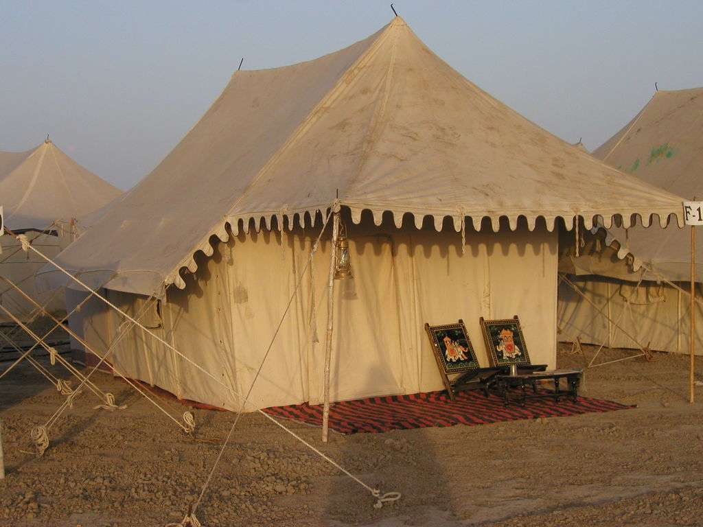 tent-at-the-rann-utsav-festival-dhordo